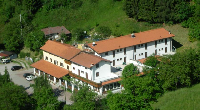 Hotel conca verde zone brescia for Conca verde piscine