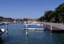 Il lungolago di Sarnico, tra i luoghi più romantici del Sebino